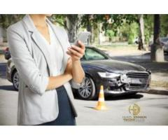 WHEN TO HIRE AN AUTO COLLISION INJURY LAWYER